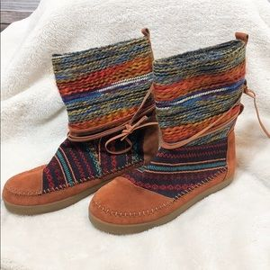 TOMS - Nepal Multicolor Moccasin Boot - 10